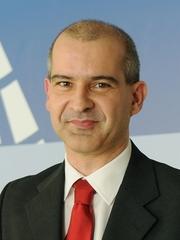 photo of Paulo Santiago